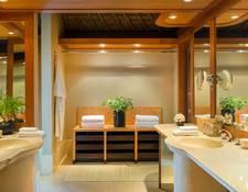 ダブルシンクの洗面所