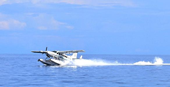 アマンワナ専用水上飛行機