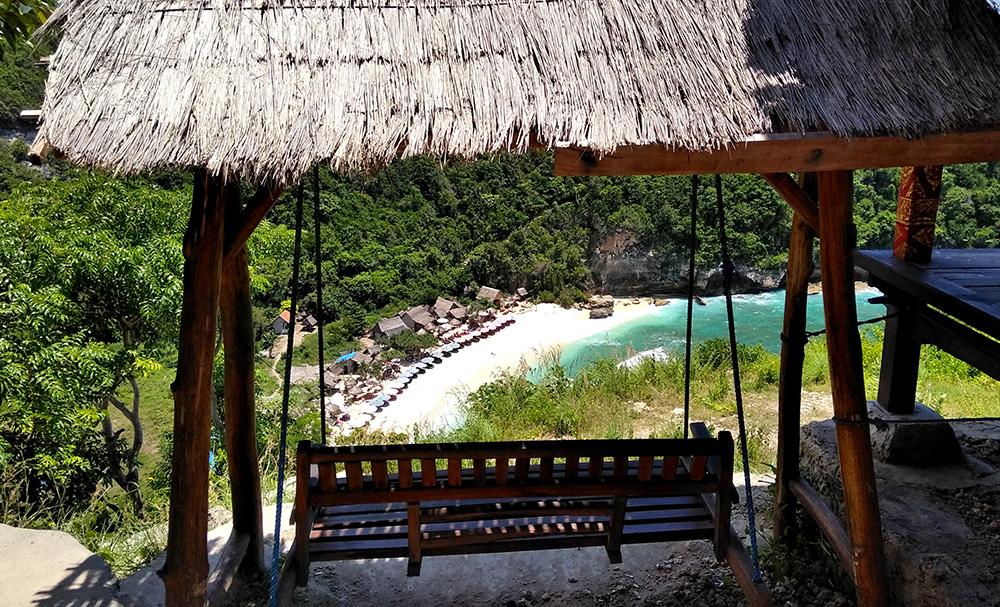 アトゥビーチを見下ろす休憩所